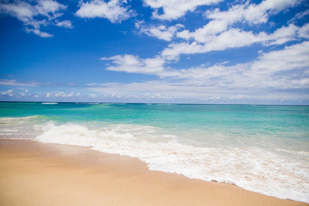 Ciel bleu dans les îles